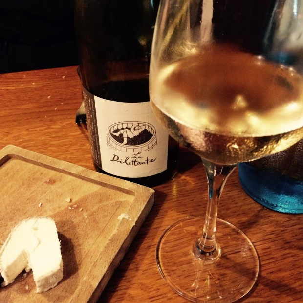 Le Dilettante Vouvray and Cheese