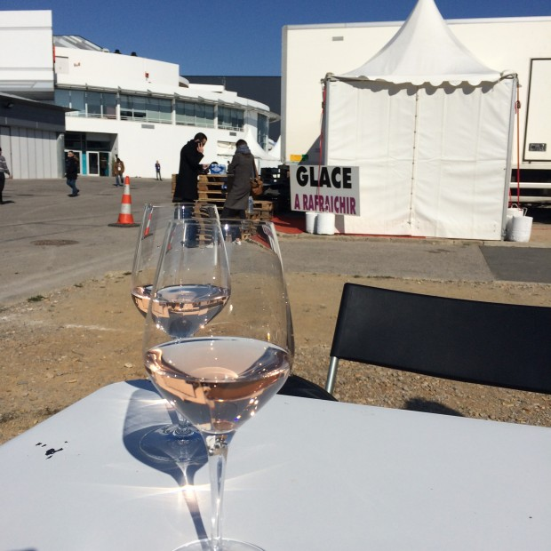 Catching some sun between appointments with a glass of Provence Rosé